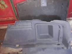 Обшивка багажника правая Audi A6 C6 требует чистки Audi A6, 4F2/C6, 4F5/C6