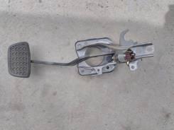 Педаль тормоза. Toyota Crown, JZS151