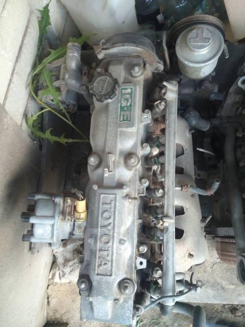 Двигатель в сборе. Toyota Crown, GS120 Двигатель 1GEU