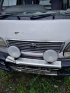 Фара противотуманная. Toyota Hiace, KZH106W Двигатель 1KZTE