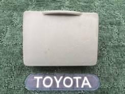 Бардачок. Toyota Corolla Fielder, NZE121G, NZE121