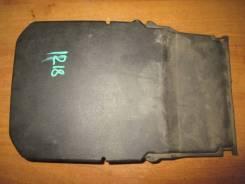 Крышка аккумулятора 2008-2011 Ford Focus II