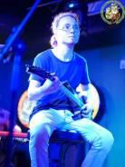 Гитарист. Средне-специальное образование, опыт работы 7 месяцев