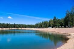 Ижс на берегу красивого озера. Газ и свет. Сосновый хвойный лес вокруг. 1 088кв.м., собственность, электричество, вода