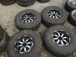 Грязевые шины 315/75/16 BFGoodrich Mud-Terrain T/A KM2+диски MKW. 8.0x16 6x139.70 ET0