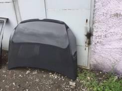 Капот. Volkswagen Golf