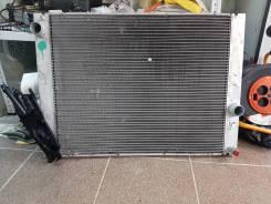 Патрубок радиатора. BMW 7-Series