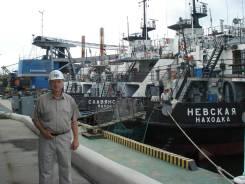 Заместитель директора по безопасности мореплавания. Высшее образование по специальности, опыт работы 39 лет