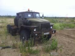 Урал. Продаются 2 грузовика УРАЛ с Прицепом Площадка, 14 860 куб. см., 13 565 кг.