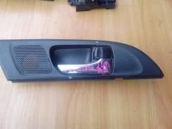 Ручка двери внутренняя. Toyota Caldina, AZT246, AZT241W, AZT246W, AZT241 Двигатель 1AZFSE