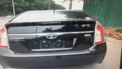 Накладка на дверь багажника. Toyota Prius, ZVW30, ZVW30L Двигатели: 2ZRFXE, 5ZRFXE