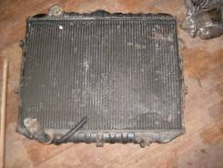 Радиатор охлаждения двигателя. Mitsubishi Pajero Mitsubishi Delica