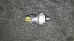 Датчик давления фреона. Toyota Ipsum, ACM21, ACM21W