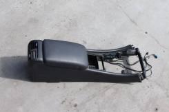 Подлокотник. Mercedes-Benz C-Class, W203