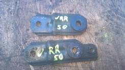 Крепление радиатора. Nissan Terrano Regulus, JLR50, JRR50, JLUR50 Nissan Terrano, RR50, LR50, R50, PR50, LUR50, LVR50, TR50 Двигатели: VG33E, QD32TI...