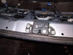 Замок двери. Toyota Vista Ardeo, AZV50, AZV50G, AZV55, AZV55G, SV50, SV50G, SV55, SV55G, ZZV50, ZZV50G Двигатели: 1AZFSE, 1ZZFE, 3SFE, 3SFSE