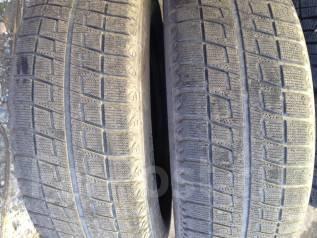 Bridgestone Blizzak Revo2. Зимние, без шипов, 2007 год, износ: 50%, 2 шт