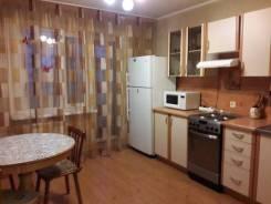 2-комнатная, улица Сергея Ушакова 35. 56 кв.м. Кухня