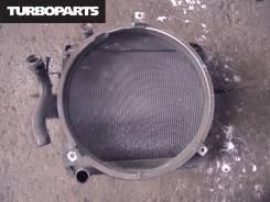 Радиатор охлаждения двигателя. Mitsubishi Fuso, FK71HJ Двигатель 6M61