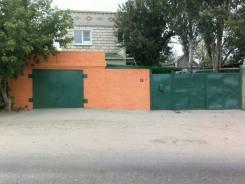 Продаётся двухэтажный дом. Улица Победы, 7, р-н Наримановский, площадь дома 200 кв.м., централизованный водопровод, отопление газ, от частного лица...