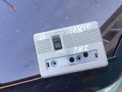 Кнопка люка. Mitsubishi Pajero, V46WG, V46W, V46V Двигатель 4M40