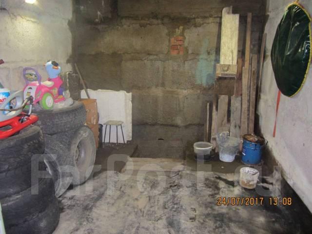 Гаражи капитальные. улица Леонова 33, р-н Эгершельд, 36 кв.м., электричество, подвал. Вид изнутри