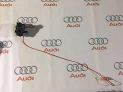 Тросик лючка топливного бака. Audi: Coupe, A5, Q5, S, A4, Quattro, A4 allroad quattro, S5, RS5, S4 Двигатели: AAH, CABA, CABB, CABD, CAEB, CAED, CAGA...