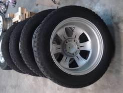 Комплект колес ЗИМА на шипах. 9.0x20 5x150.00 ET50