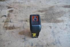Кнопка включения аварийной сигнализации. Nissan Sunny, JB15, QB15, FB15, B15, SB15, FNB15 Nissan AD, WHNY11, VY11, VFY11, WHY11, WRY11, WFY11, VENY11...