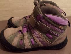 Ботинки. 33