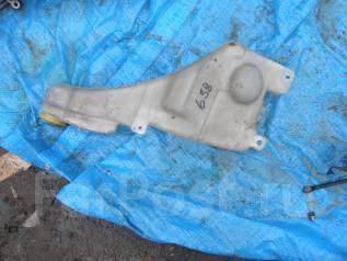 Бачок стеклоомывателя. Nissan Laurel, GCC35, GNC35, GC35, SC35, HC35 Двигатель RB25DET