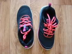 Спортивная обувь. 34