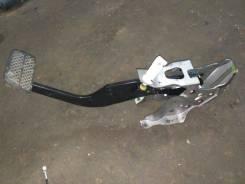 Педаль тормоза. Honda Stream, RN1