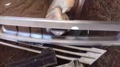 Решетка радиатора. Toyota Starlet, EP71