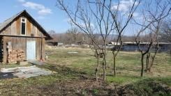 Продам ветхий дом в д. Смяличи + 40 с земли в собственности. Улица Лесная, р-н Шкотовский, площадь дома 18 кв.м., скважина, электричество 15 кВт, ото...