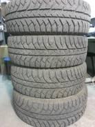 Bridgestone Ice Cruiser 7000. Зимние, шипованные, 2013 год, износ: 5%, 4 шт