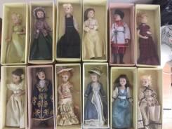 Куклы фарфоровые.