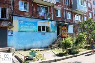 Продаётся помещение под любой вид деятельности на Чуркине. Улица Интернациональная 62, р-н Чуркин, 52 кв.м. Дом снаружи