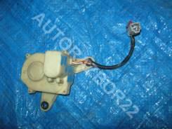Активатор замка двери Honda Domani MA правый задний 72615-ST0-003