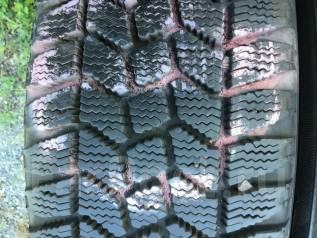 Goodyear Ice Navi. Всесезонные, износ: 10%, 2 шт