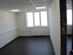 Сдаётся двухкомнатный офис 32 кв. м. в Азимут Отель Владивосток. 32 кв.м., улица Набережная 10, р-н Центр