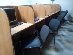 Отдам бесплатно столы из компьютерного салона