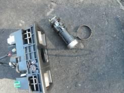 Кнопка открывания багажника. Toyota Celsior, UCF30, UCF31