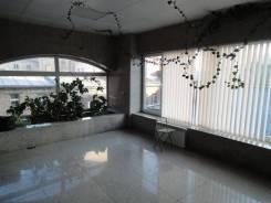 Удобный офис с камином -92 м - в самом Центре -Светланская. 92 кв.м., улица Светланская 23, р-н Центр. Интерьер