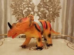 Гигантский динозавр. Реалистичные Звуки!