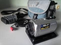 Sony DCR-SR42E. 20 и более Мп, с объективом