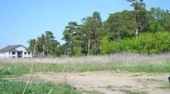 Продаю участок р-не Фирсова Слобода-2, граничит с сосновым бором. 1 326 кв.м., собственность, электричество, вода, от агентства недвижимости (посредн...