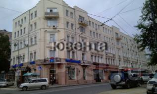 2-комнатная, улица Светланская 37. Центр, проверенное агентство, 52 кв.м. Дом снаружи