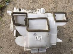 Корпус радиатора отопителя. Toyota Probox