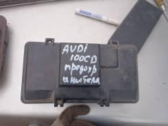 Блок предохранителей под капот. Audi 100